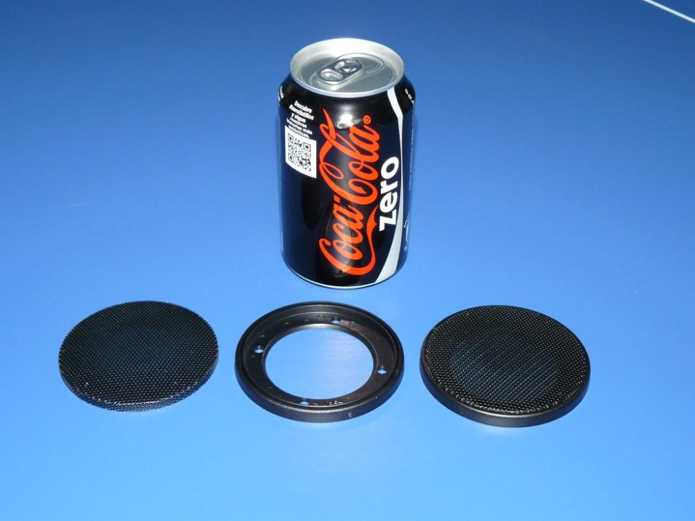 Rejilla circular (con lata como referencia de dimensiones)
